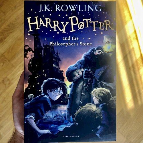 Гарри Поттер и философский камень (английский оригинал)